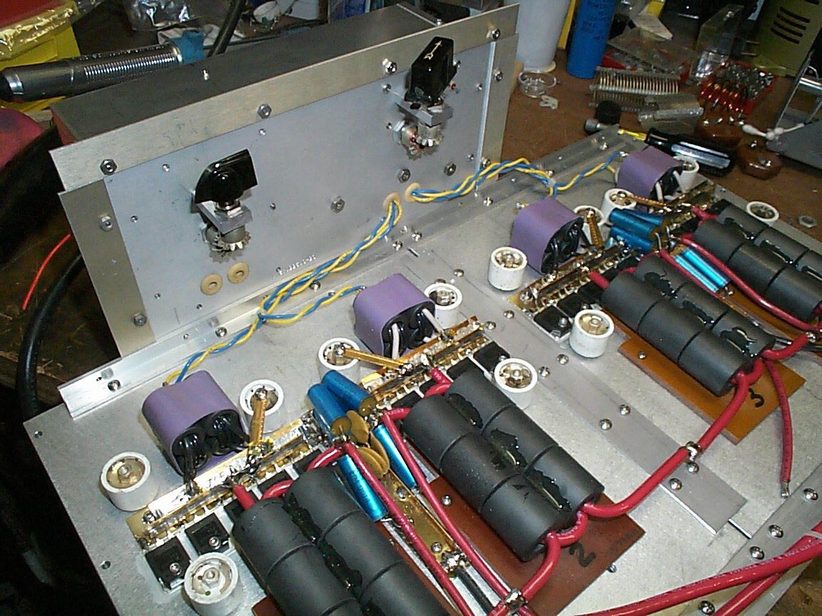 New Page 1 How To Build Simple Am Transmitter Heres A Shot Of The Matching Networks